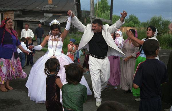 Matrimonio Zingari Rumeni : Matrimoni rom tradizione o prigione inkorsivo